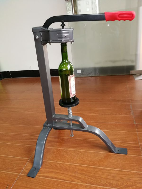 Standing Hand Corking Machine Large Lever Hj002 With Adjustable Plunger Depth